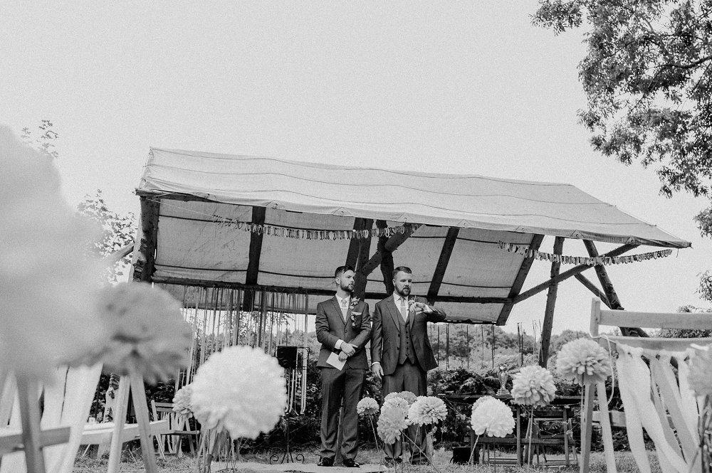 Wyldwoods groom and best man waiting