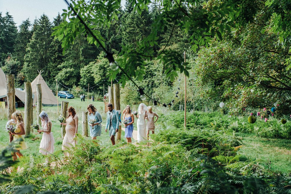 Wyldwoods bridal party arriving photo