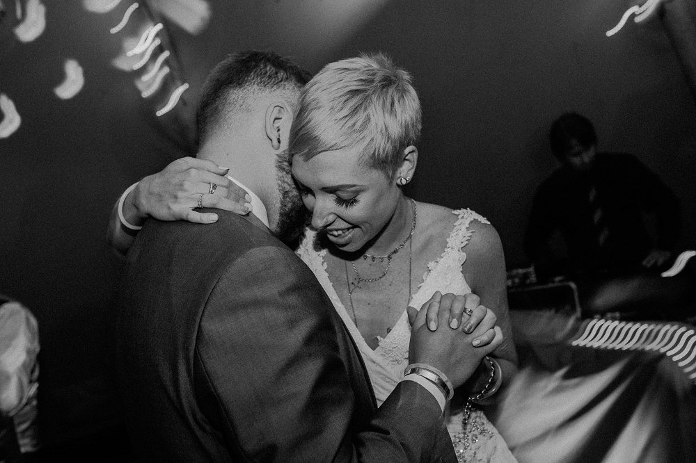 Wyldwoods wedding romantic first dance