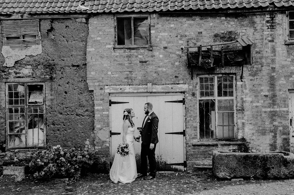 Maunsel House quirky wedding portraits