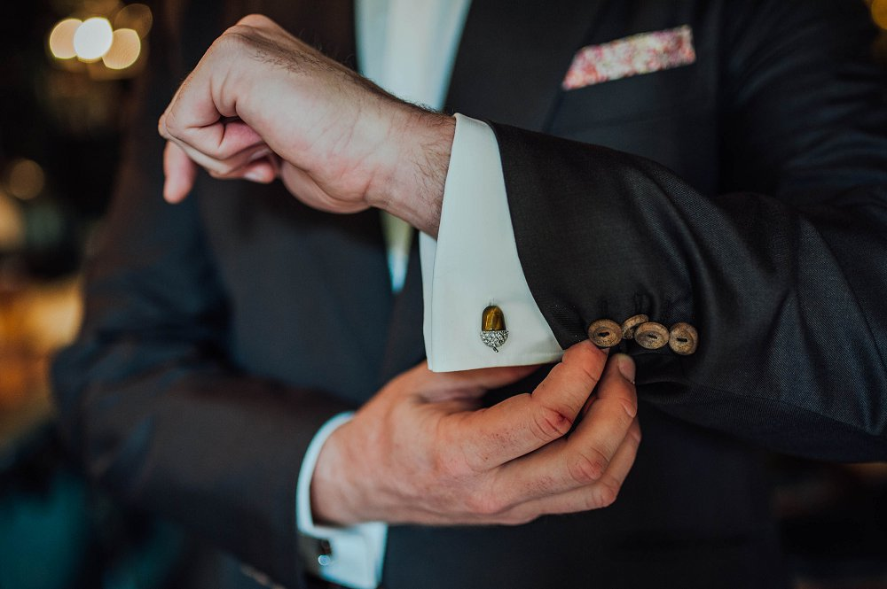 Maunsel House grooms fancy cufflinks photo