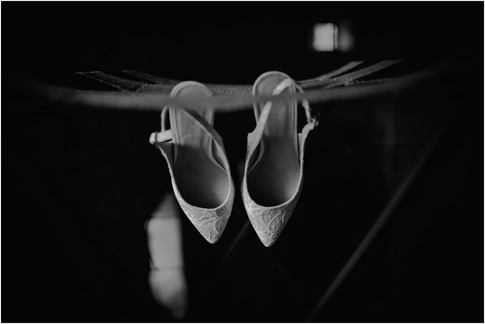 Logis Puygaty wedding shoes photo