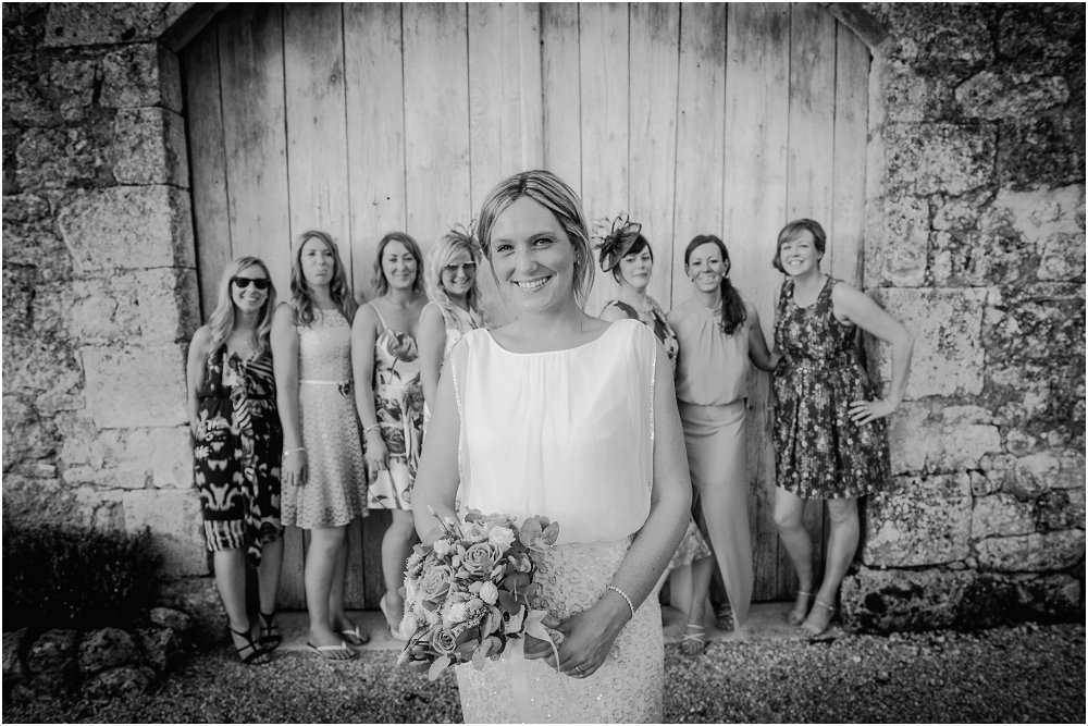 Logis Puygaty bride with her girls photo
