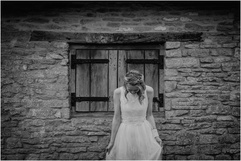 Cogges Manor Farm modern wedding photography