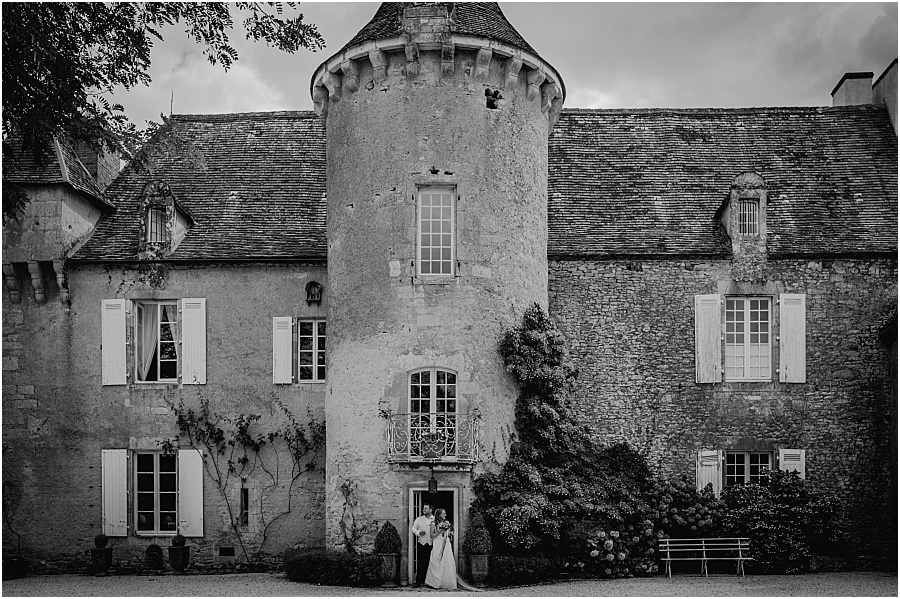 Chateau de Cazenac bride and groom black and white wedding photo