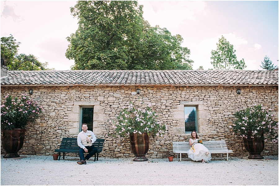Chateau de Cazenac modern and artistic wedding photo