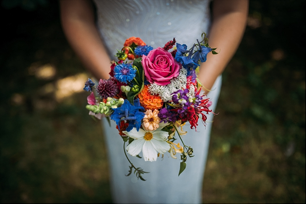 tetbury-wedding-photographer-holford-arms-homegrown-bouquet