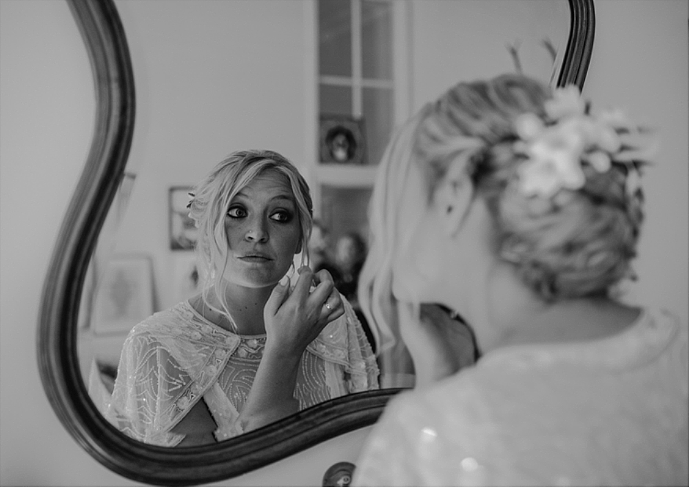 tetbury-wedding-photographer-holford-arms-bridal-prep