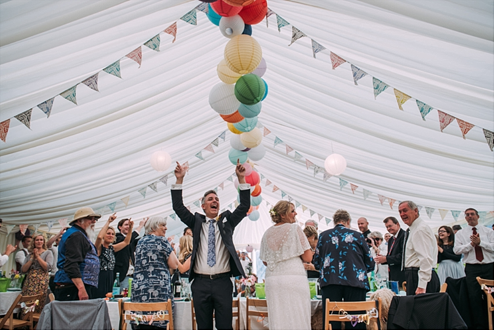 tetbury-wedding-photographer-holford-arms-marquee