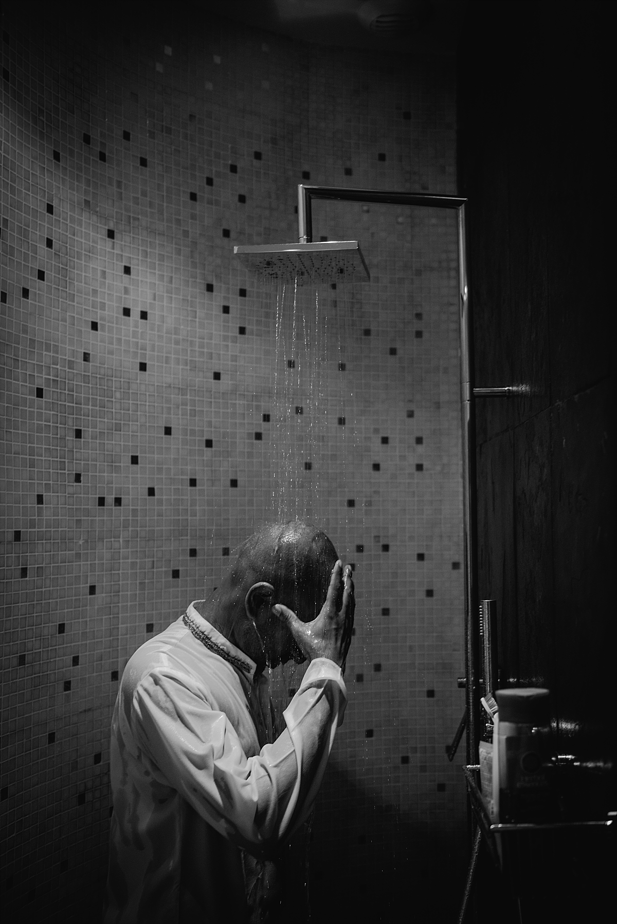 Indian Wedding Photography -groom in shower-Chateau De Malliac
