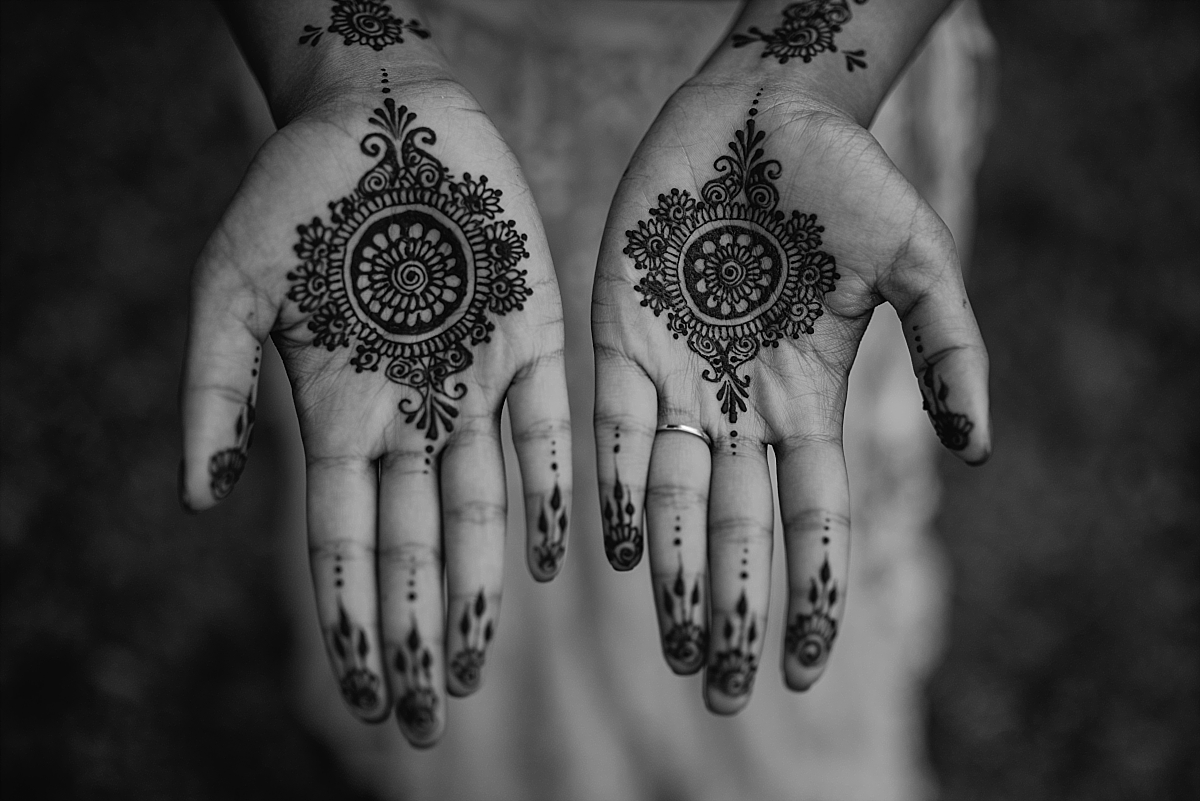 Indian Wedding Photography -Henna art on hands -Chateau De Malliac