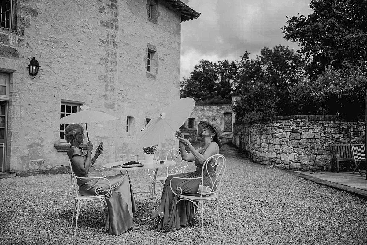 Married in France Château de Vieux Mareuil documentary photography