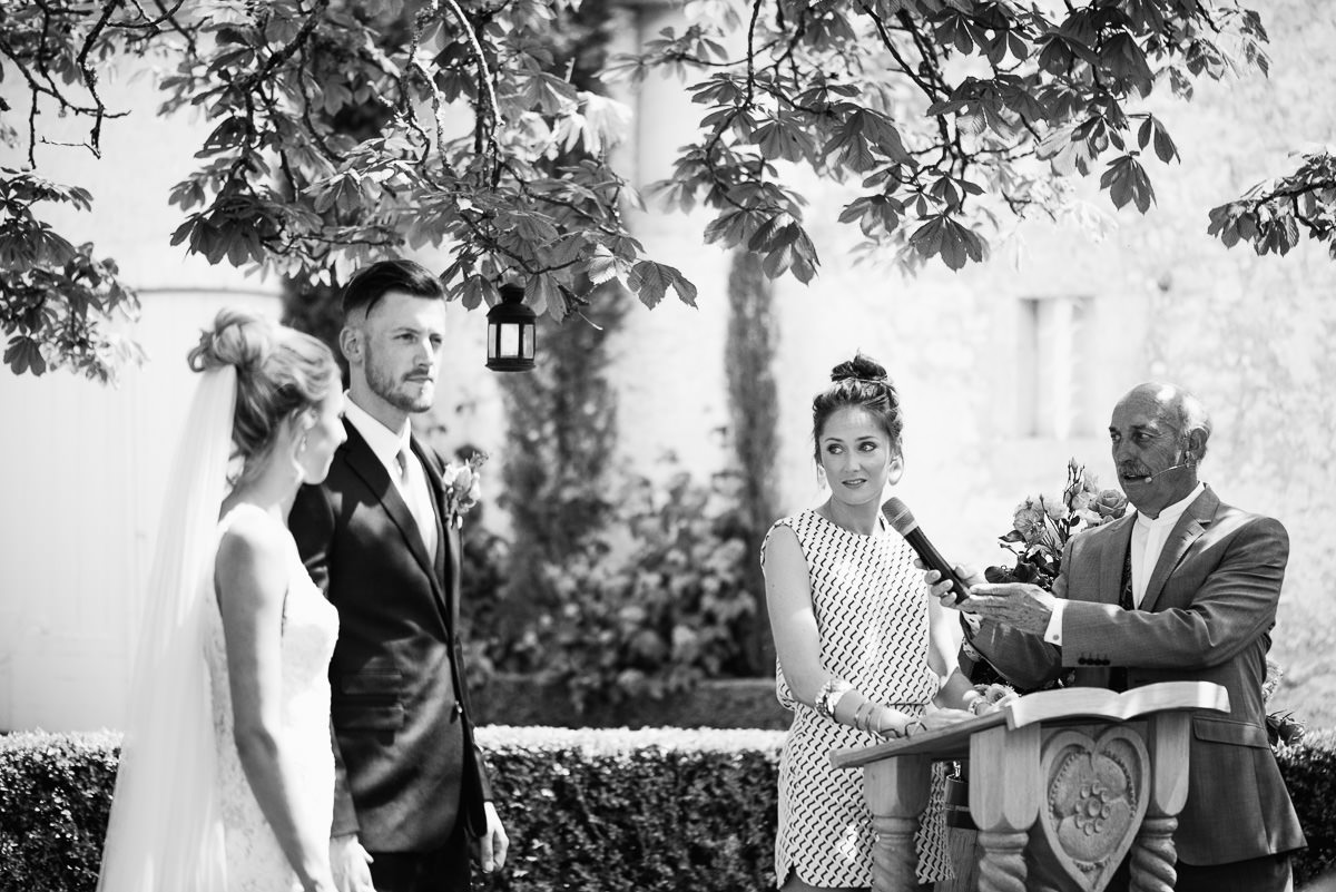 Outdoor ceremony at chateau Soulac Dordogne wedding photos