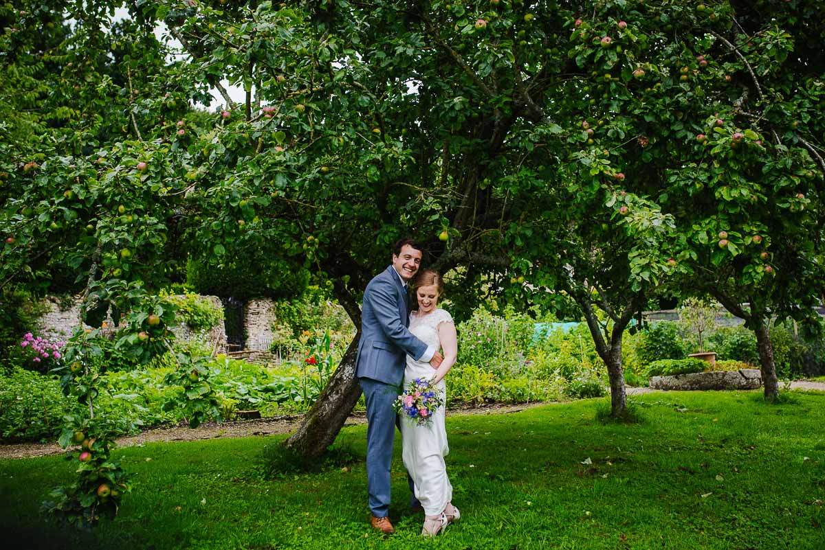 Gloucestershire wedding photos apple orchard garden