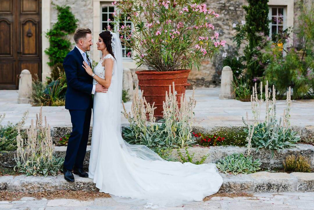 French vineyard reportage wedding photos080