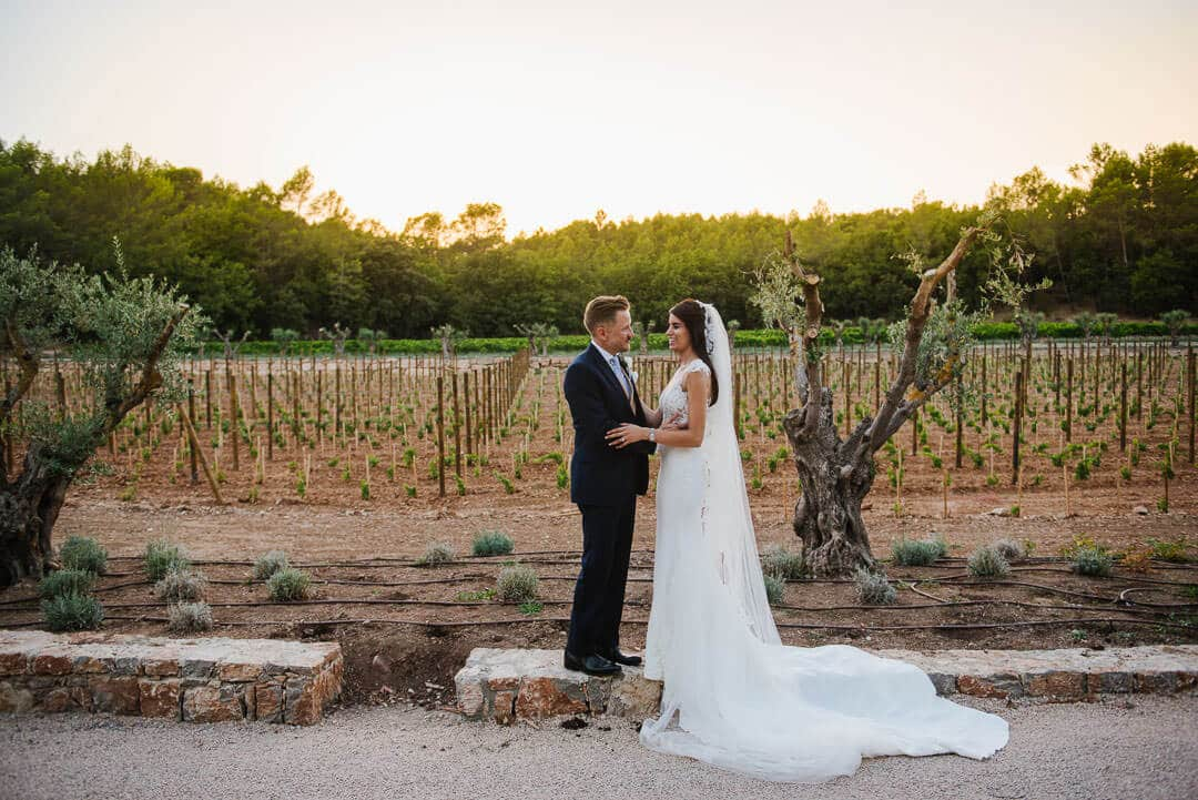 French vineyard reportage wedding photos081