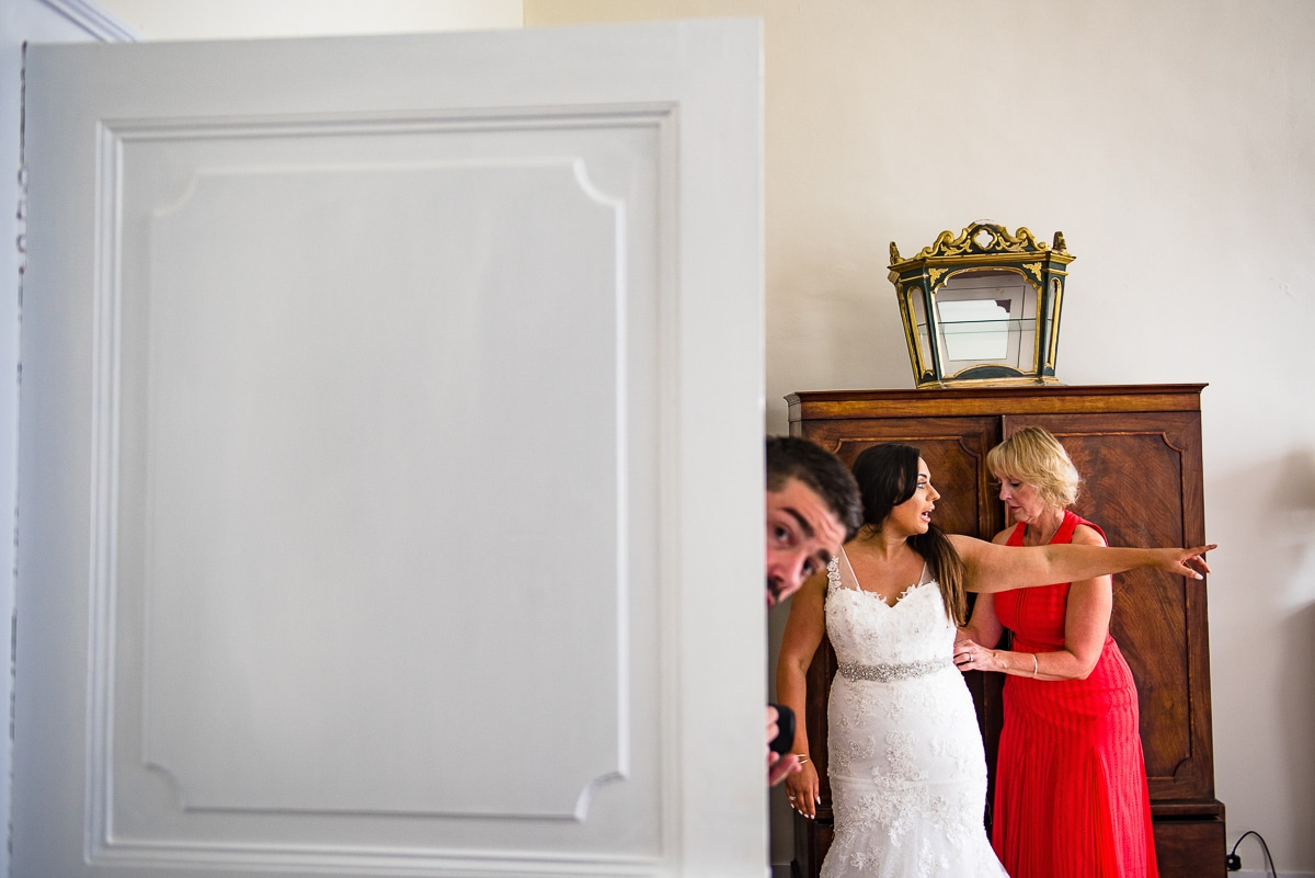 Documentary wedding photos at Chateau La Guaterie France