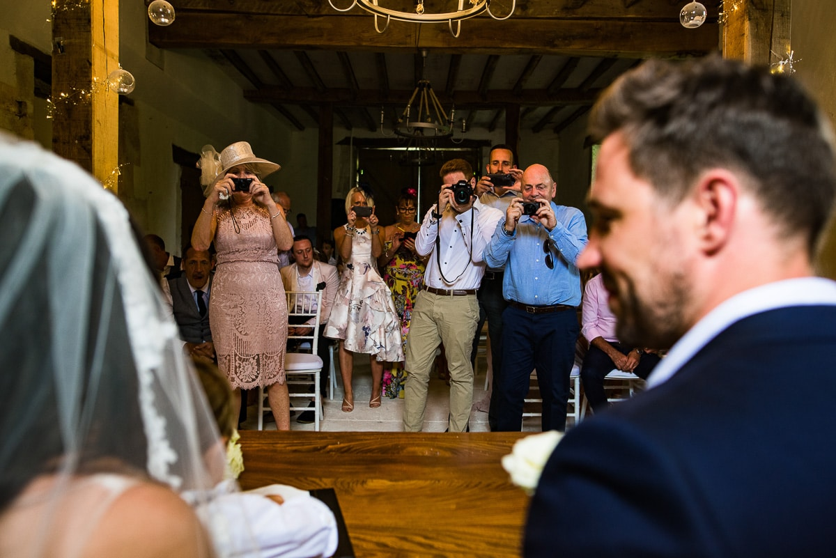 Documentary wedding photos Chateau La Guaterie Dordogne