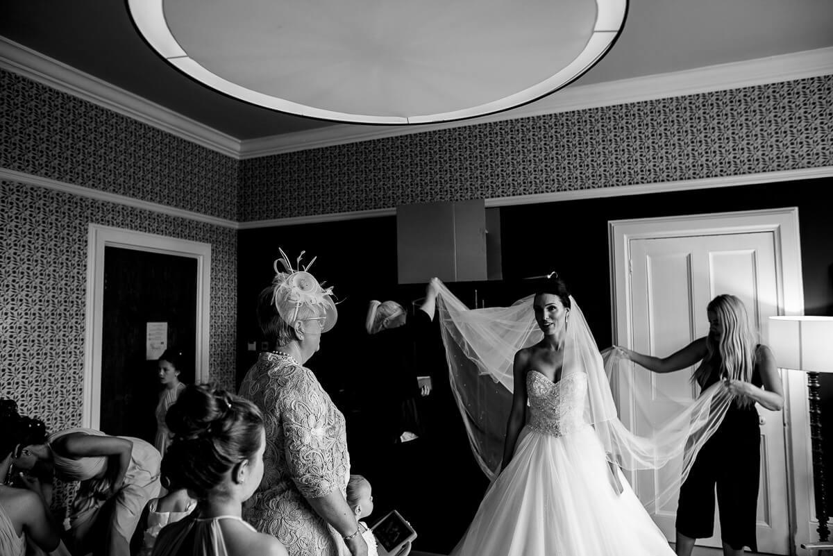 Hampton manor wedding photos Jonny Barratt Photography 13