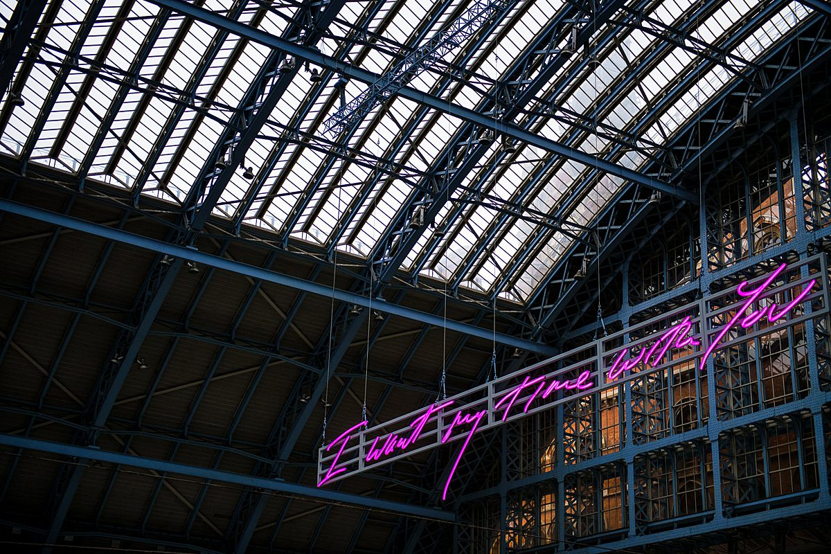 St Pancras champagne bar LED light detail