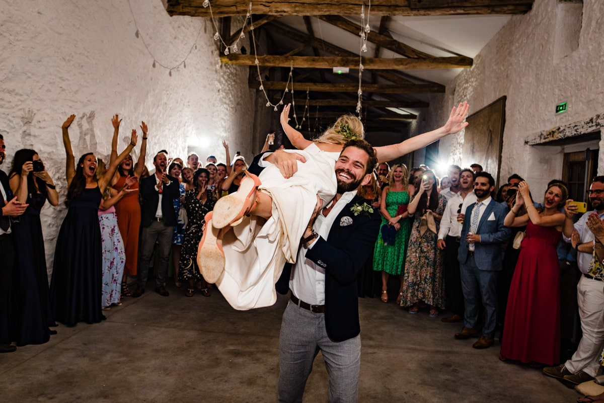bride and groom recreate dirty dancing in first dance