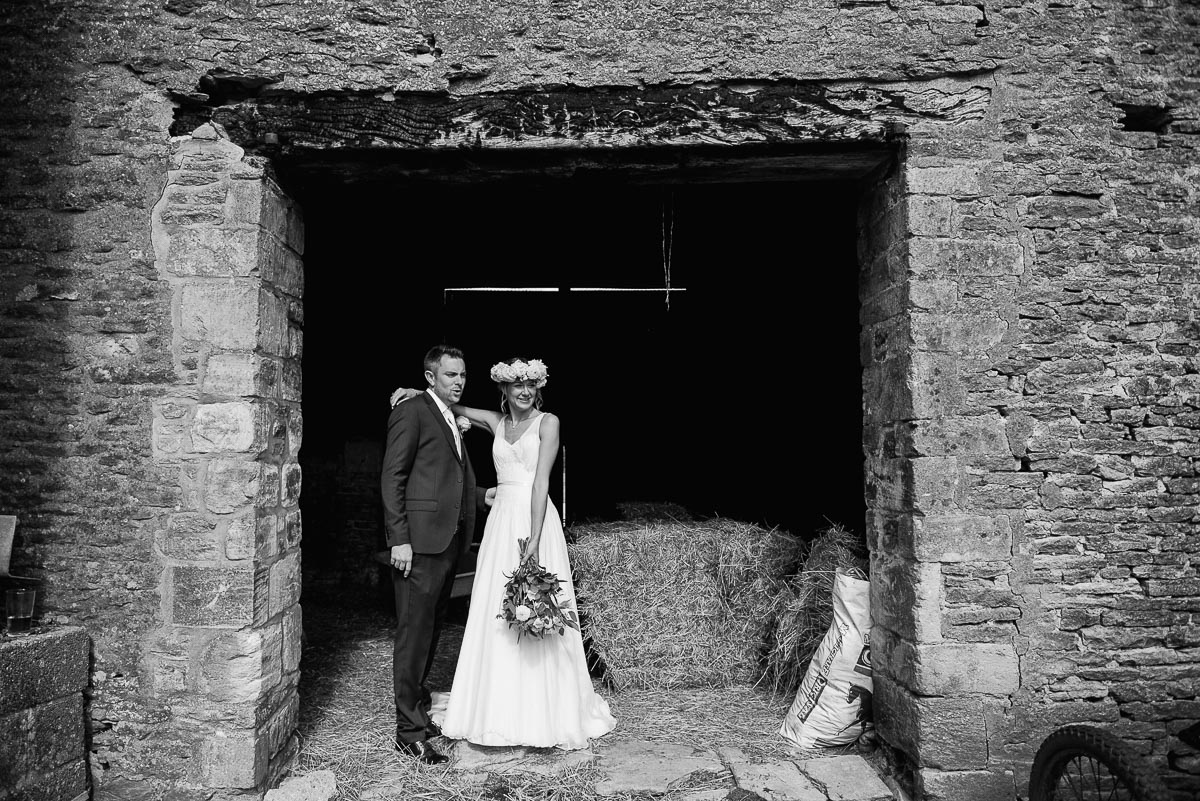 13oxleaze barn wedding photos