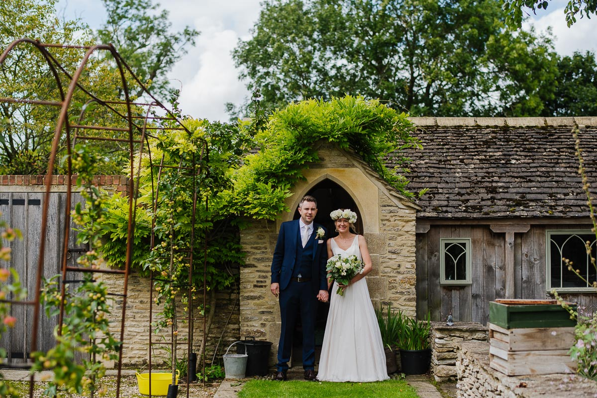 25oxleaze barn wedding photos
