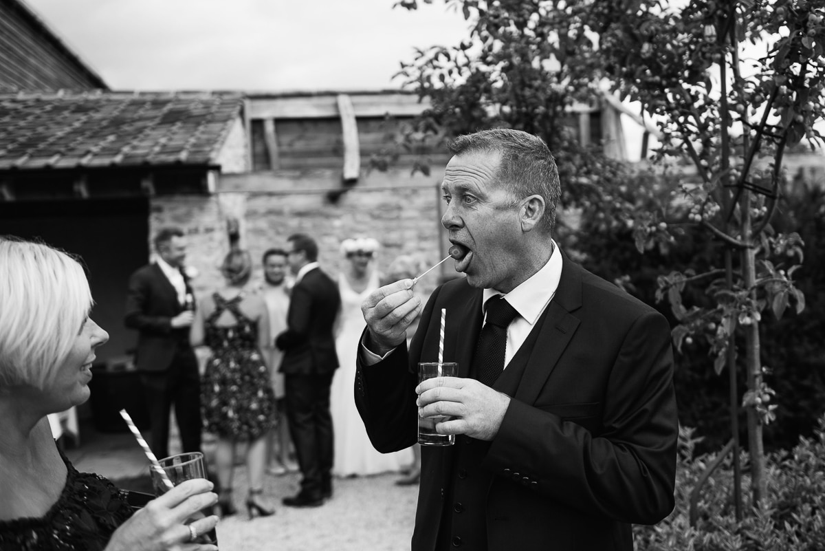 36oxleaze barn wedding photos