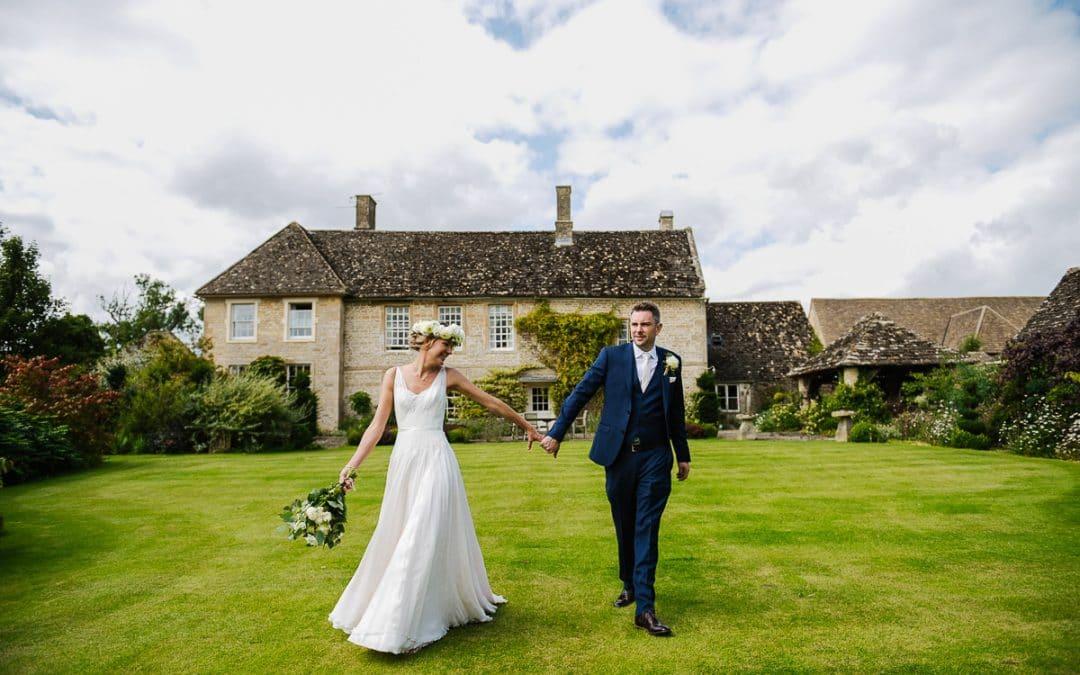 Oxleaze Barn Wedding Photos | Eve & Michael