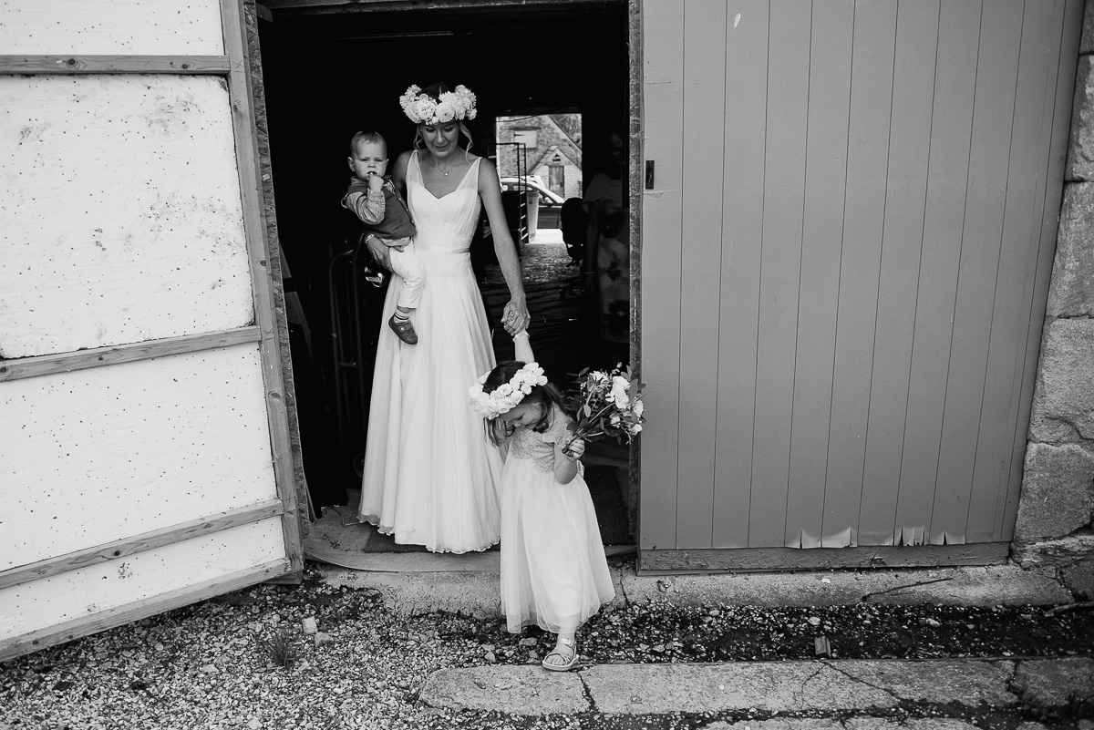 47oxleaze barn wedding photos