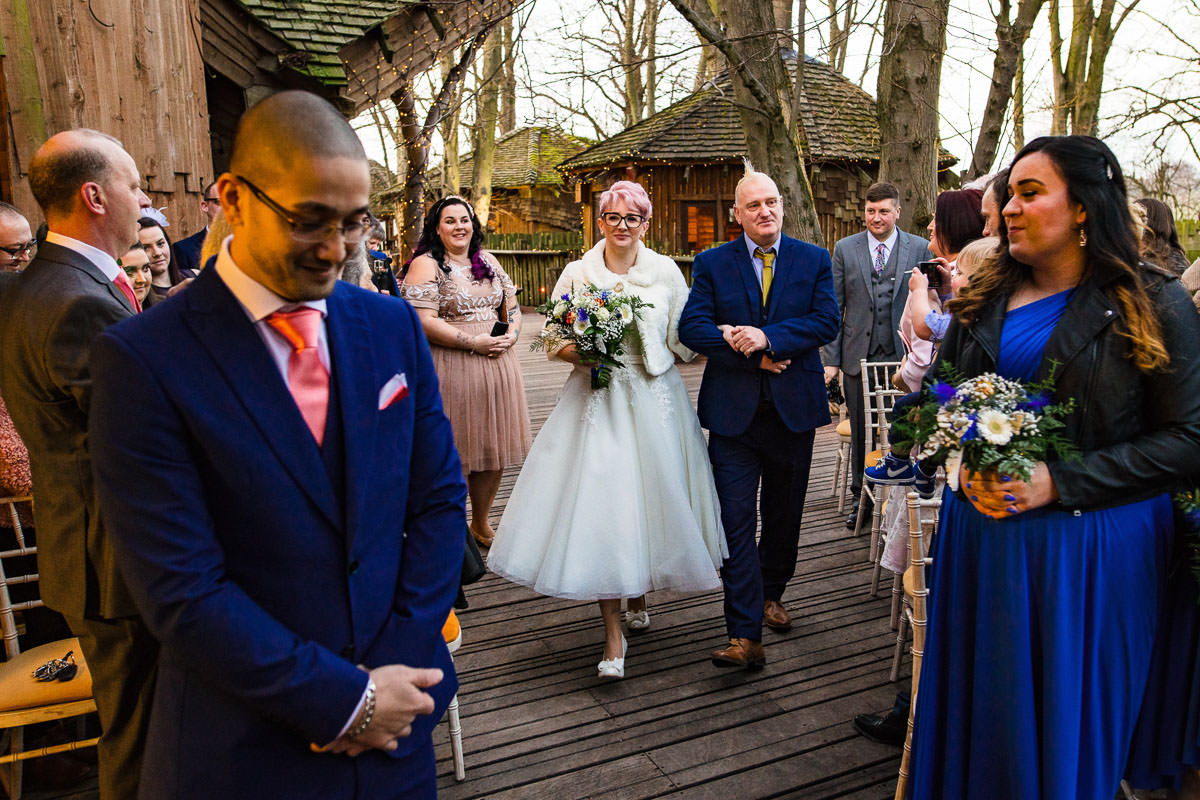 135Alnwick treehouse wedding photos Jonny Barratt Photography