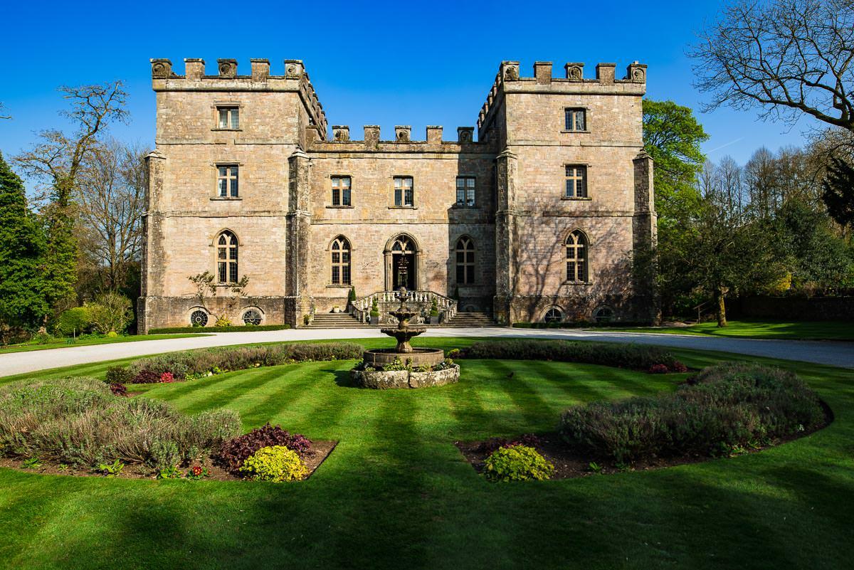 006Clearwell castle wedding photos Jonny Barratt Photography