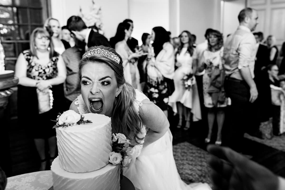 007Clearwell castle wedding photos Jonny Barratt Photography