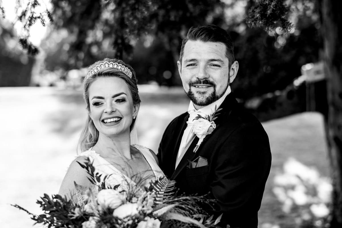 015Clearwell castle wedding photos Jonny Barratt Photography