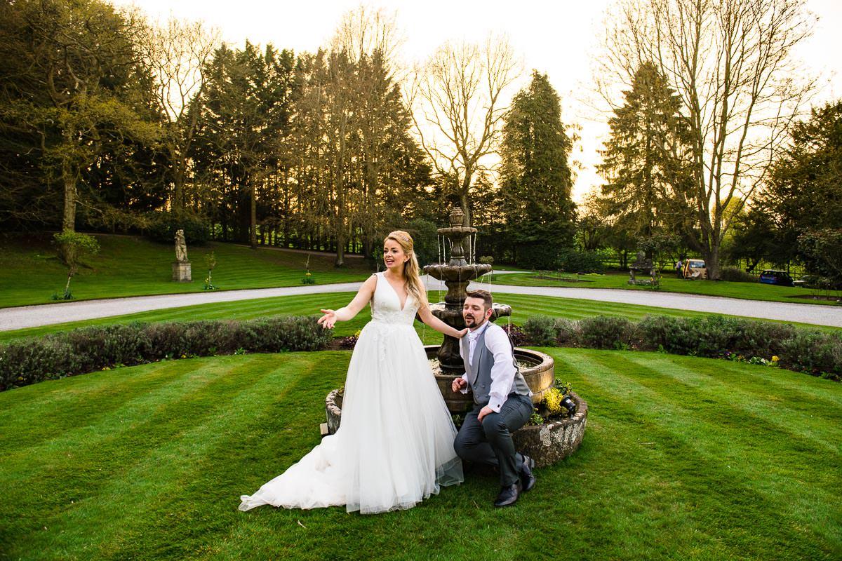 028Clearwell castle wedding photos Jonny Barratt Photography