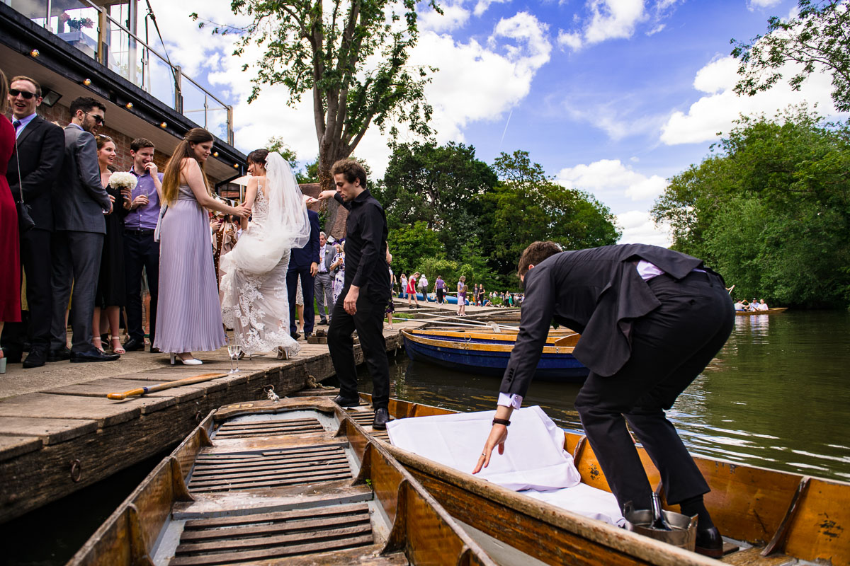 21Alejandra Jonny Cherwell Boathouse wedding photos