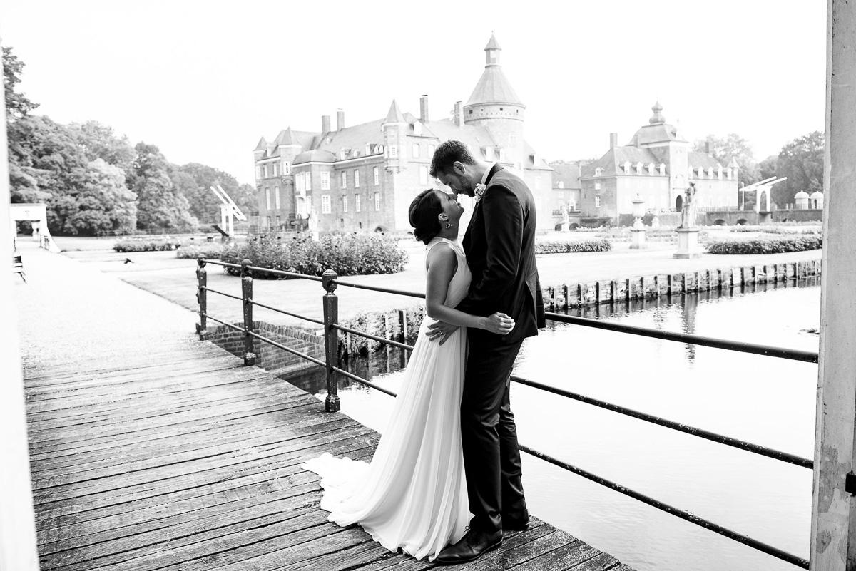 128Andrea Felix Romantik Parkhotel Wasserburg Anholt wedding